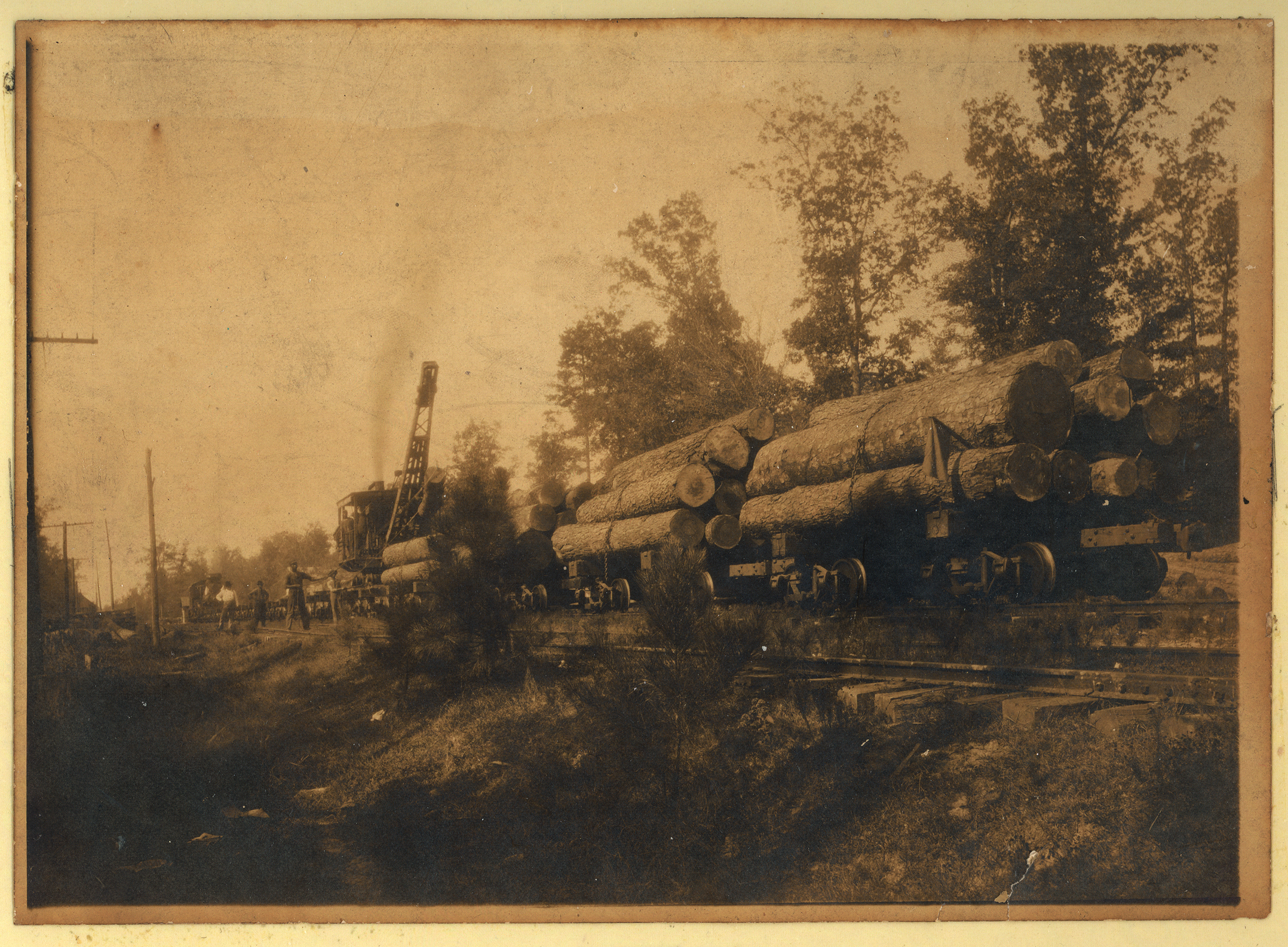 Train with Logs (1903)